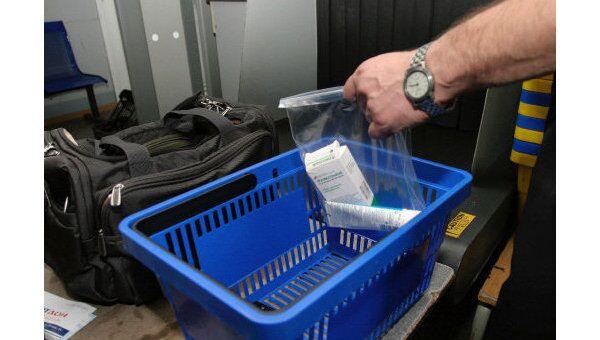 Проведение досмотра багажа в аэропорту Ростова-на-Дону