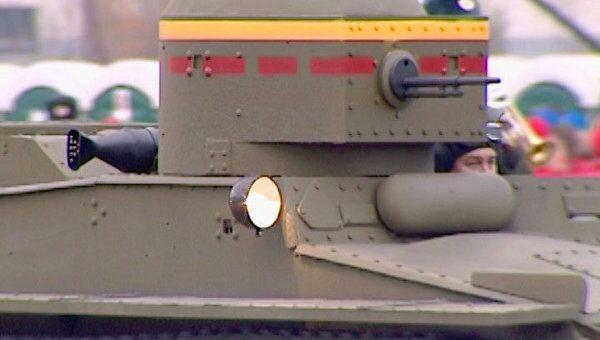 Советские плавающие танки времен ВОВ готовят к параду 7 ноября