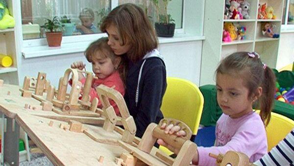 Пациенты клиники им. Сеченова играют в игрушки, чтобы вылечить артрит