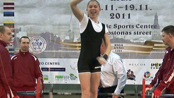 Школьница из России с мировым рекордом выиграла ЧМ по пауэрлифтингу