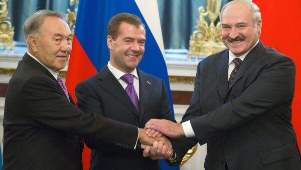Трехсторонняя встреча Д.Медведева, А.Лукашенко, Н.Назарбаева в Кремле. Архив