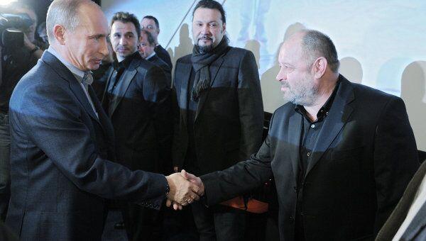 Премьер-министр РФ Владимир Путин посмотрел на киностудии Мосфильм фильм Высоцкий