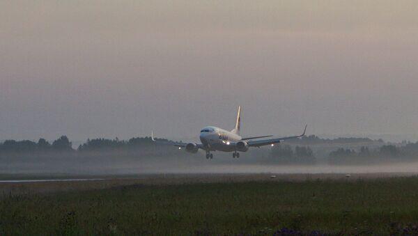 Работа аэропорта Богашево в Томске, архивное фото