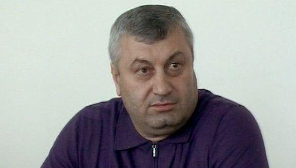 Автоматные очереди прервали пресс-конференцию президента Южной Осетии