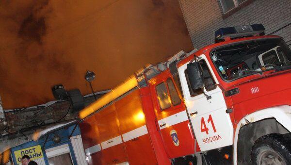 Производственное здание МАИ горит на севере Москвы
