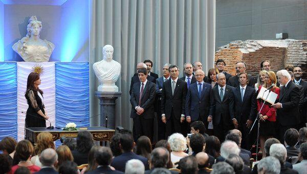 Новое правительство Аргентины принесло присягу