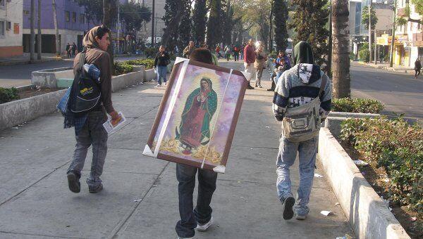 Мексиканцы отмечают главный религиозный праздник страны - День Святой Девы Гваделупской