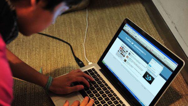 Пользователь перед компьютером