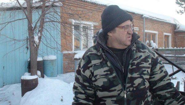 Дом в селе Вагайцево в Новосибирской области, на крышу которого упал, предположительно, обломок спутника