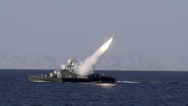 Испытания ракет во время учений ВМС Ирана в Персидском заливе