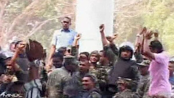 Полиция Мальдив отказалась подчиняться президенту. Кадры с акции протеста