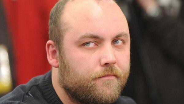 Представитель движения Синие ведерки Петр Шкуматов. Архив