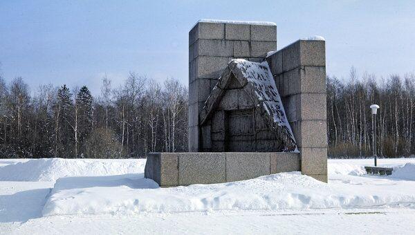 Памятник Шалаш В.И.Ленина. Архив