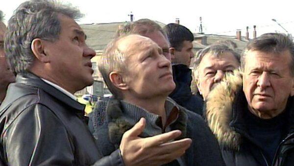 Путин осмотрел разрушенный в Астрахани дом и потребовал расселить жильцов