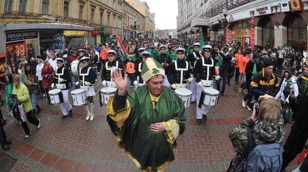 Парад в честь Дня Святого Патрика в Москве. Архив
