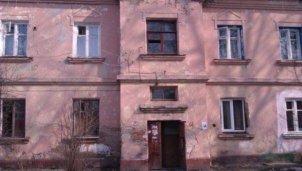 Поиски похищенной в Брянске девочки. Подъезд дома по улице Пушкина, где была обнаружена коляска