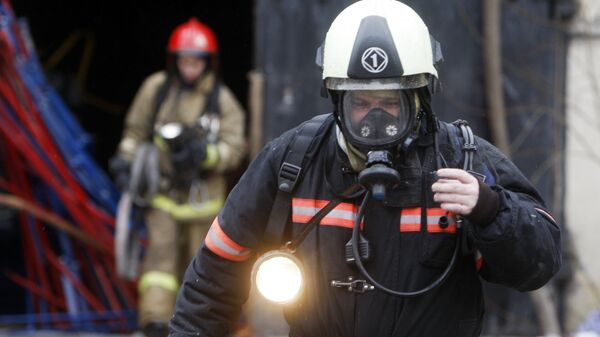 Пожар в производственном здании в Петербурге
