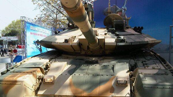 Модернизированный танк Т-90С . Архивное фото