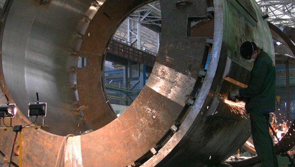 Станок весом 200 тонн обрабатывает детали для атомных станций. Архивное фото