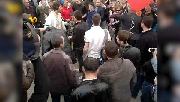 Уличные акции сторонников и противников мэра Астрахани