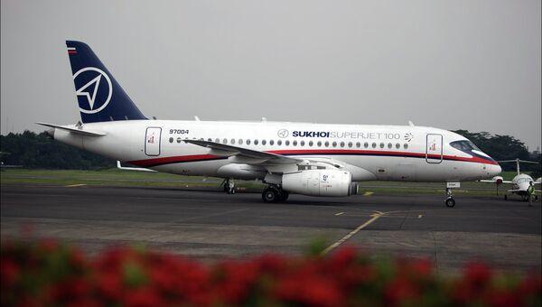 Самолет Superjet-100. Архив