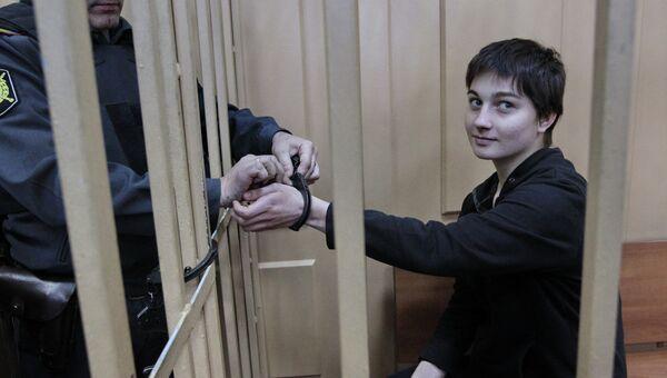 Активистка оппозиции А.Духанина в Басманном районном суде Москвы