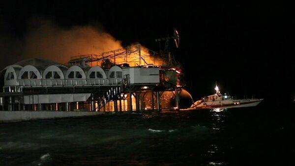 Пожар в клубе, где проходили мероприятия Кинотавра. Кадры с места ЧП