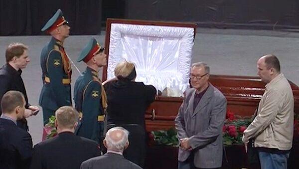 Легенду хоккея Крутова проводили в последний путь с воинскими почестями