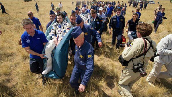 Возвращение на Землю экспедиции МКС