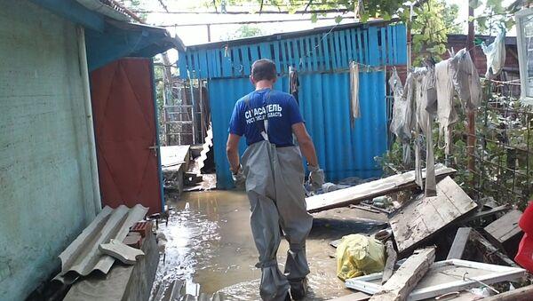 Cпасатели Ростовской области помогают Крымску, пострадавшему от наводнения