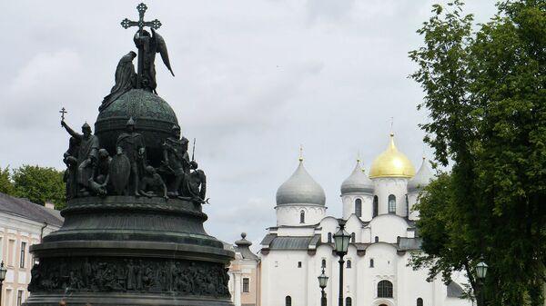 Памятник Тысячелетие России архитектора Михаила Микешина в Великом Новгороде