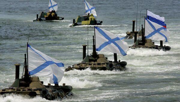 Репетиция военно-морского парада к Дню ВМФ во Владивостоке