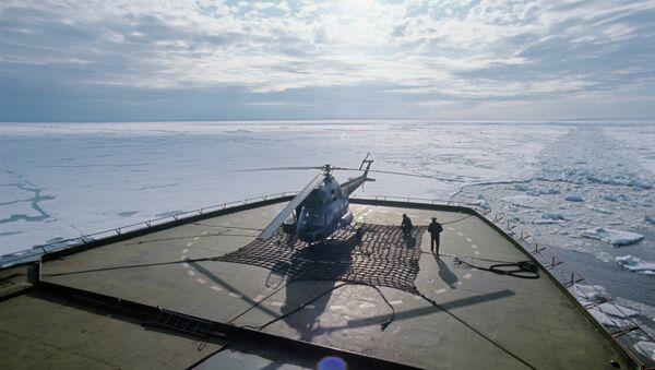 Посадочная площадка ледокола. Архивное фото