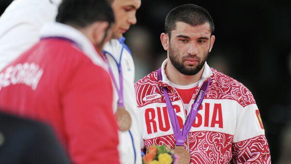 Россиянин Билял Махов, завоевавший бронзовую медаль на соревнованиях среди мужчин