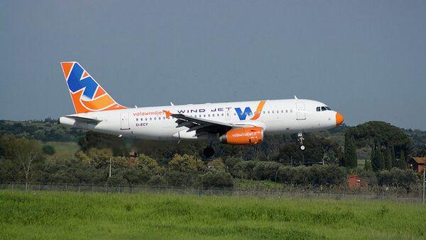 Самолет итальянской авиакомпании Wind Jet. Архив