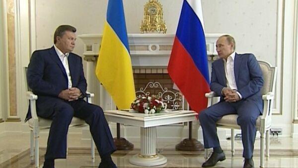 Янукович попросил Путина помочь во вступлении в ШОС