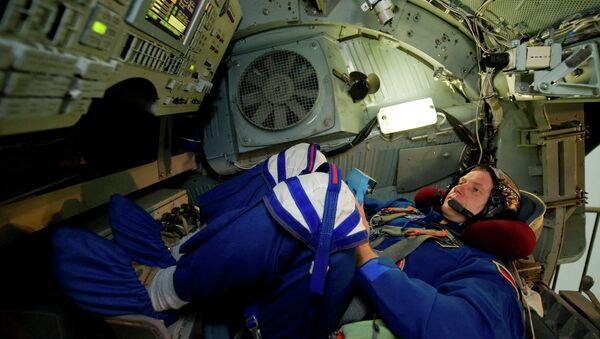 Тренировка космонавта Олега Новицкого. Архивное фото