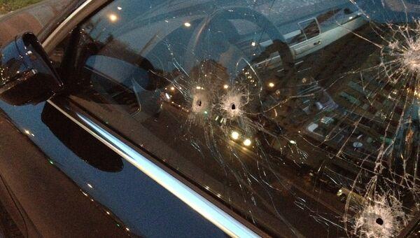 Неизвестные расстреляли машину на северо-западе Москвы, водитель погиб