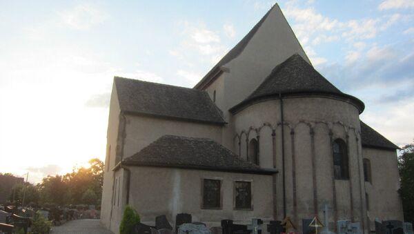 Храм святого Трофима во французском Эшо, где веками покоились мощи святых мучениц, а ныне хранится частица мощей святой Софии