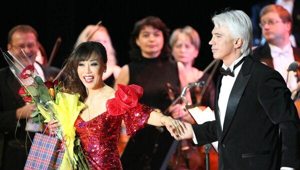 Известный российский баритон Дмитрий Хворостовский и корейская оперная певица Суми Йо