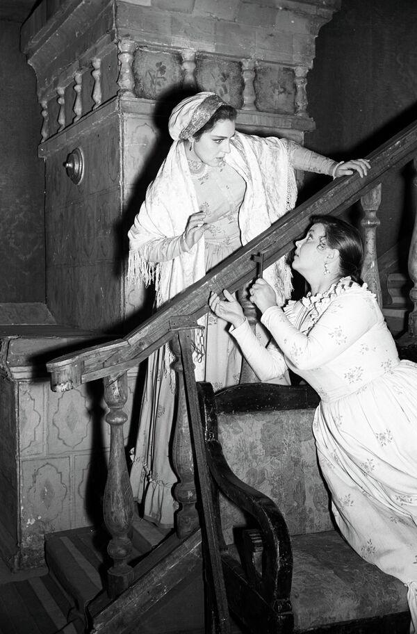 Драма Гроза А.Н.Островского на сцене Московского театра имени Вл.Маяковского