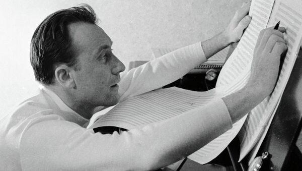 Композитор Родион Щедрин за работой. Архивное фото