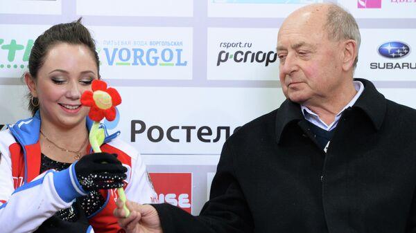 Фигуристка Елизавета Туктамышева и ее тренер Алексей Мишин