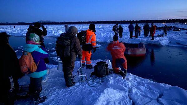 На Сахалине в Заливе Мордвинова с оторвавшейся льдины эвакуировали более 250 рыбаков из 600. 28 января 2020