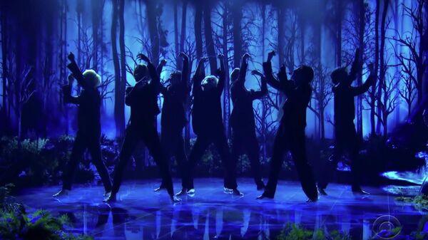 Выступление группы BTS с песней Black Swan на передаче The Late Late Show with James Corden