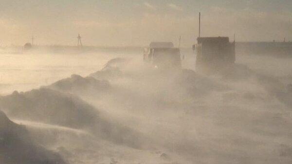 В руках непогоды: снежные заносы отрезали от мира несколько сел на Алтае
