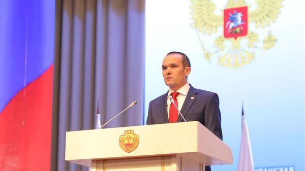 Глава Чувашии Михаил Игнатьев во время церемонии оглашения послания Государственному совету республики