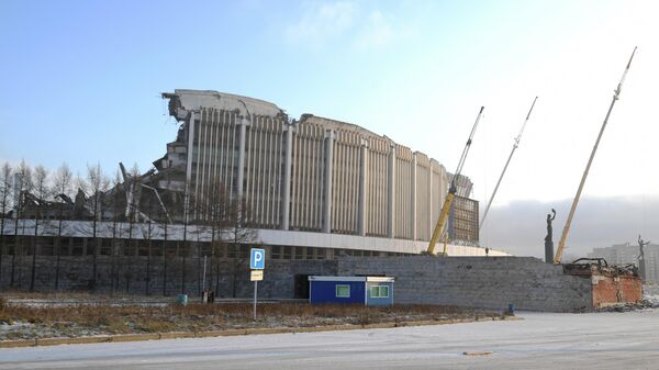 Обрушение крыши СКК Петербургский при демонтаже