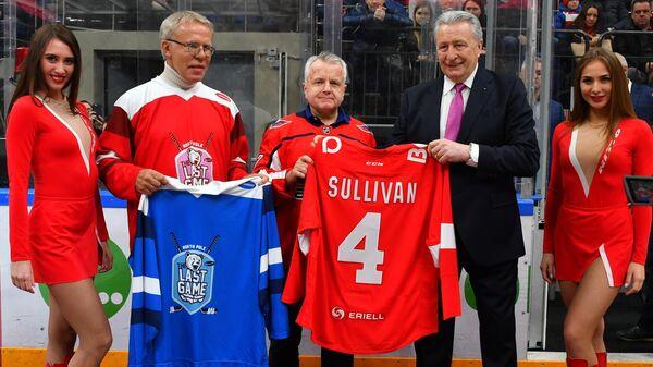 Александр Якушев, Джон Салливан и Вячеслав Фетисов (слева направо)