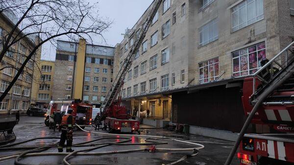 Ликвидация пожара в здании Лениздата в Санкт-Петербурге